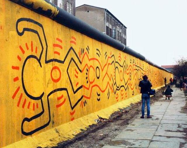 ベルリンの壁に描かれたキースのイラスト