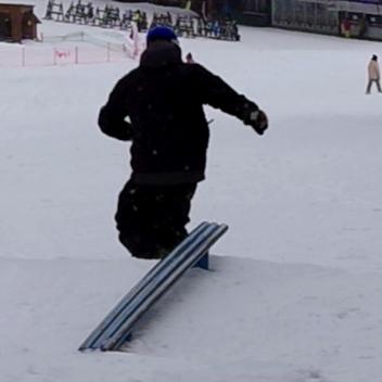 backside tailslide fakie10
