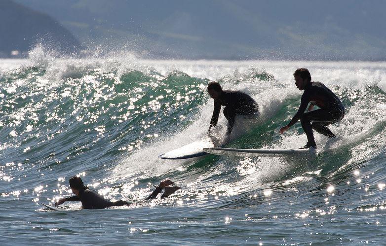 サーフィン 混雑