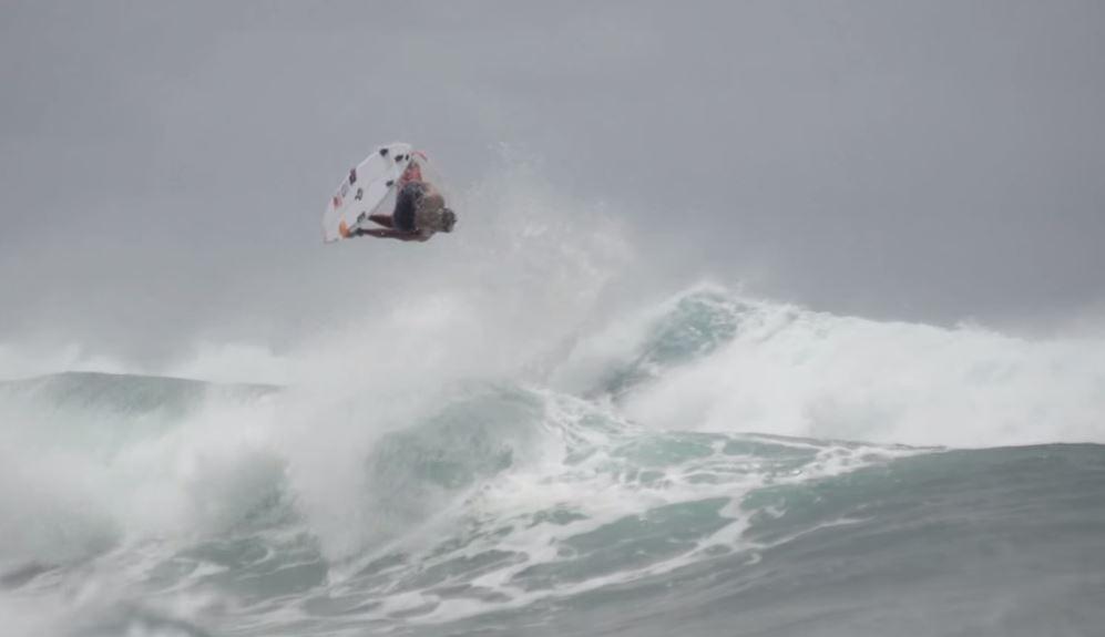 リップカールチームによるハワイでの必見フリーサーフ映像。