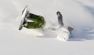 スノーボード 転ぶ