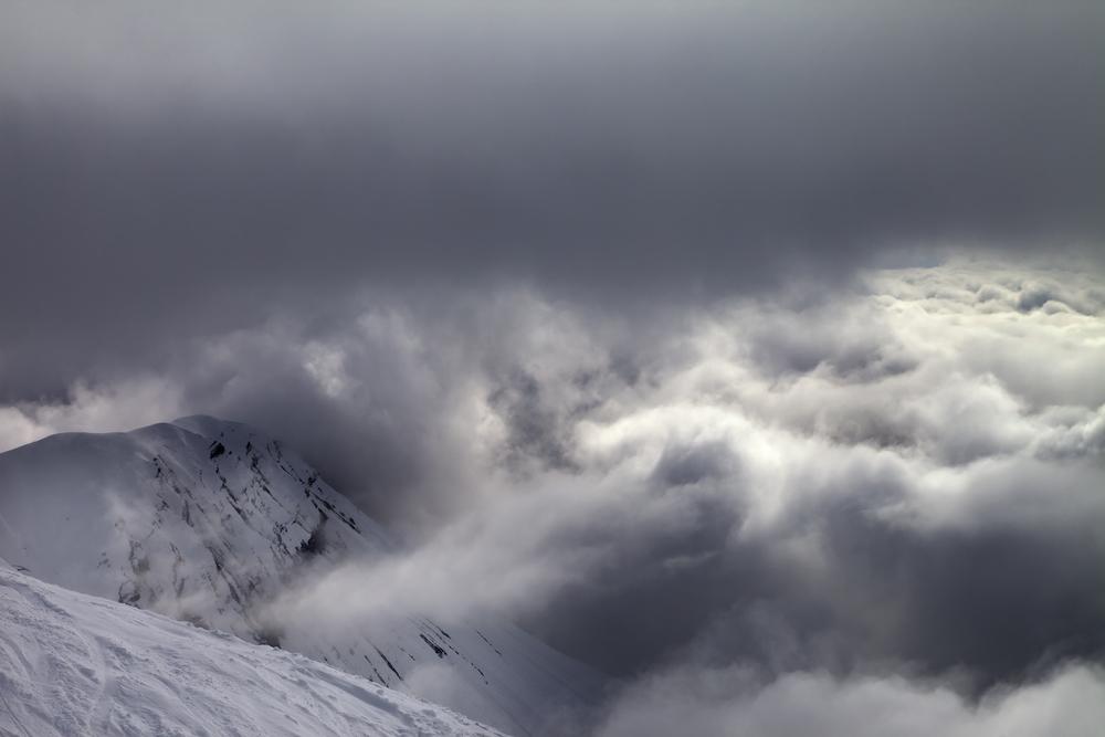 雪山 悪天候