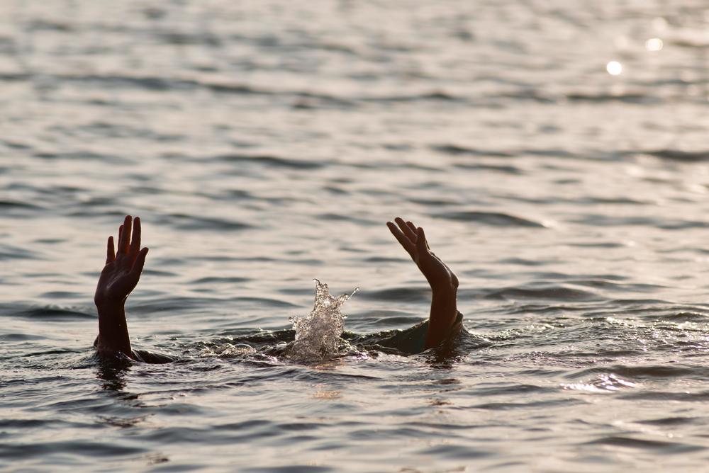 サーフィン 溺れる