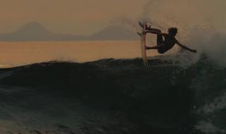 世界が注目するたった12歳の少年サーファー