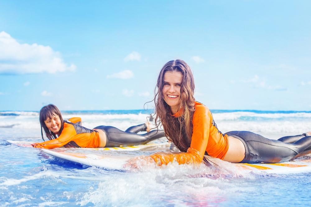 サーフィン 女性 レッスン