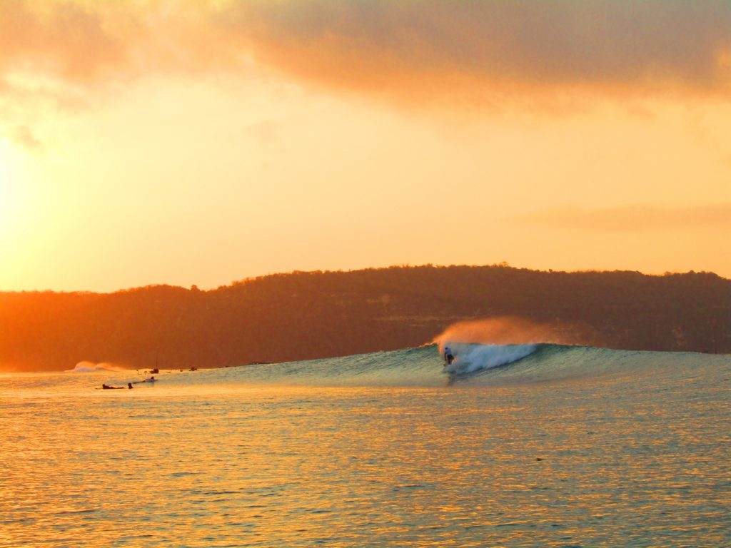 サーフィン 波 無料写真